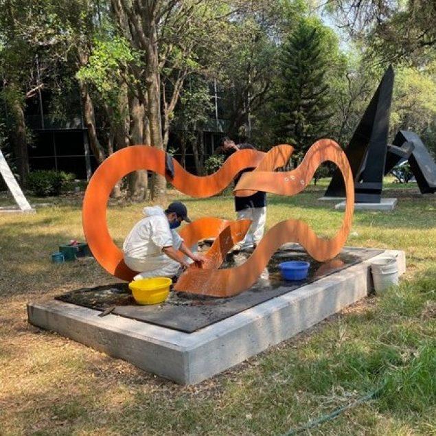 Restaura INBAL 35 obras del Jardín Escultórico del MAM