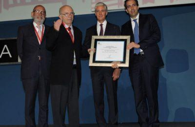 ADI reconoció a Roberto Meli Piralla por su amplia trayectoria en la ingeniería