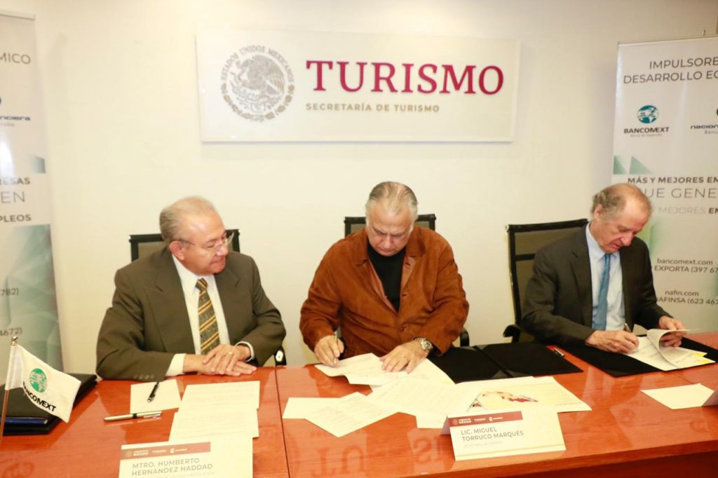 Sector turismo será fortalecido con convenio entre Sectur y Bancomext