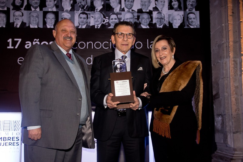 Recibe Salomón Marcuschamer Premio HyM 2018