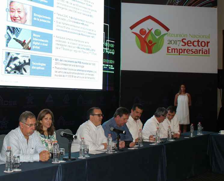 Necesario separar hipoteca y pensiones en Infonavit: empresarios
