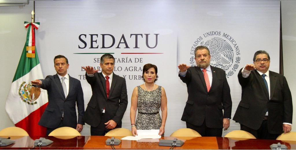 Nombra Rosario Robles nuevo titular del Insus