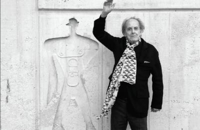 Reconocen obras de Teodoro González de León
