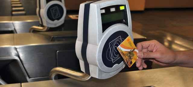Preparan nueva tarjeta de Metro y débito