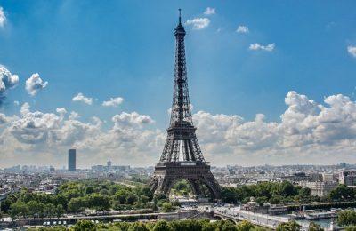 Paris convoca a renovar entorno de la Torre Eiffel