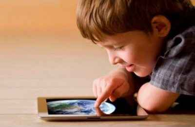 UNAM alerta sobre el peligro visual por uso de dispositivos móviles