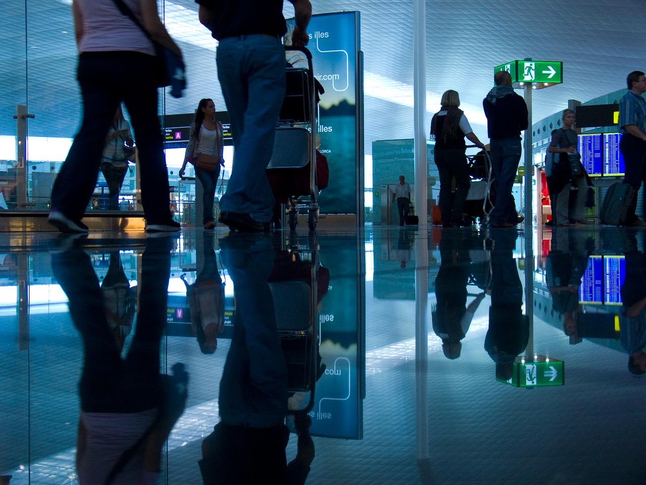 cae-96-2-ingresos-de-divisas-de-turistas-internacionales