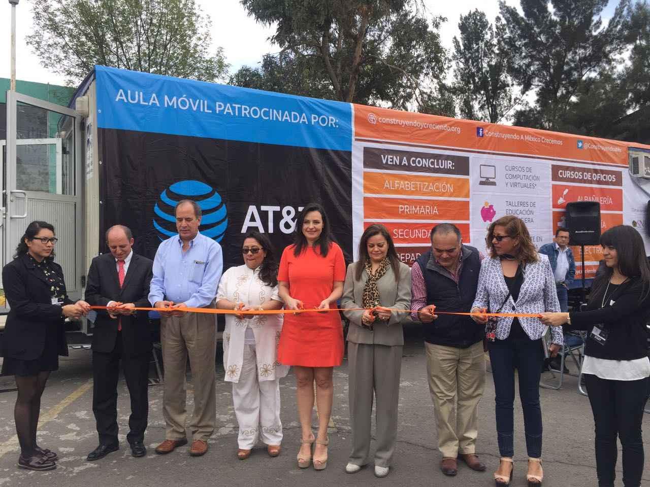 Construyendo a México Crecemos y AT&T inauguran Aula Móvil en Edomex