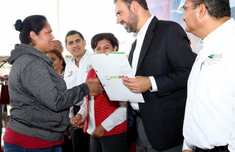 Entregan en Zacatecas acciones de 'Papelito Habla'
