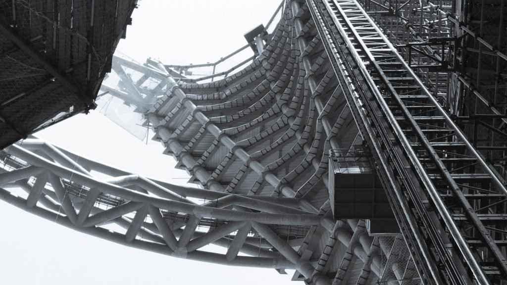 Zaha Hadid Architects revela avance del rascacielos con el atrio más alto del mundo