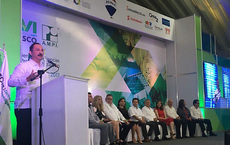 AMPI reconoció trabajo de Alberto Almaguer en Conocer