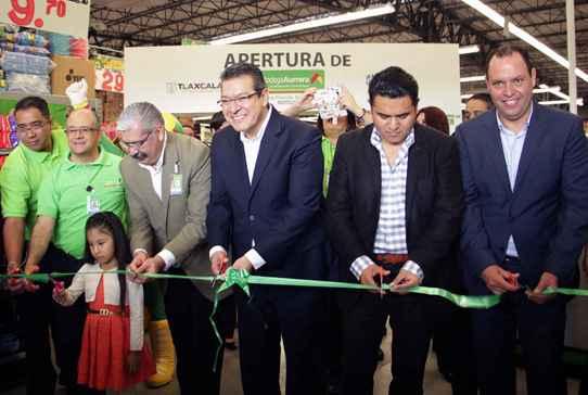 Inauguraron tienda Bodega Aurrerá en Apizaco