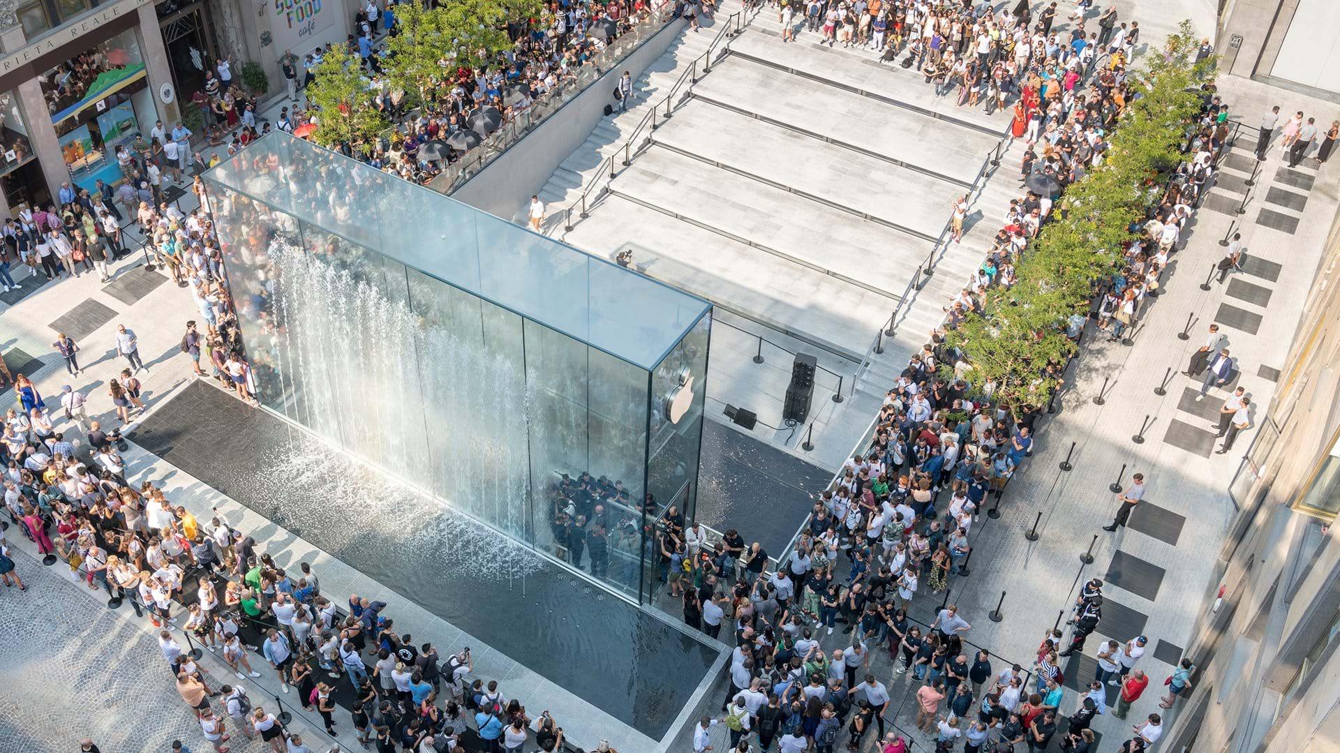Destaca diseño de nueva tienda de Apple en Milán