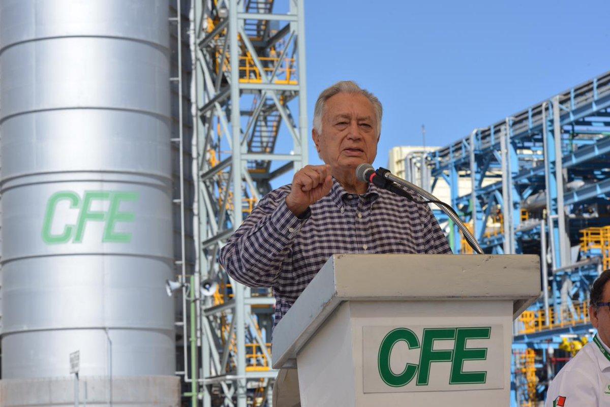La electricidad no puede estar en manos privadas: Manuel Bartlett