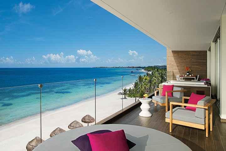 Inauguran hotel Breathless Riviera Cancún