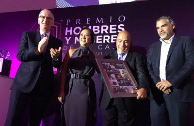 Horacio Urbano recibe reconocimiento por su trayectoria al frente de #CentroUrbano