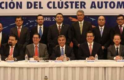 Constituyen Clúster Automotriz Zona Centro