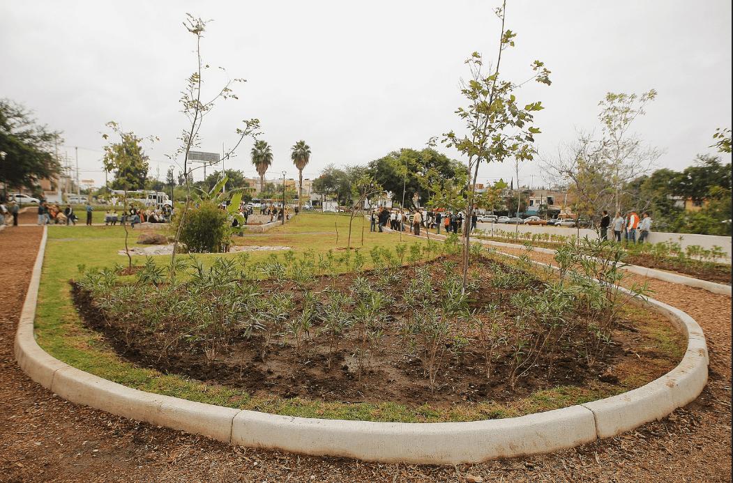 Renuevan espacios públicos en Guadalajara