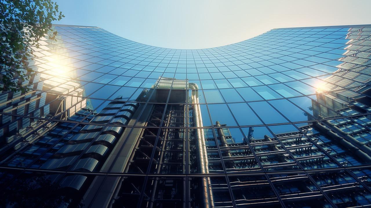 covid-19-extiende-prorroga-a-construccion-de-edificios-corporativos