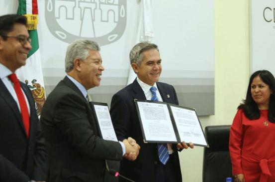Firman convenio notarios, Infonavit y gobierno de CDMX