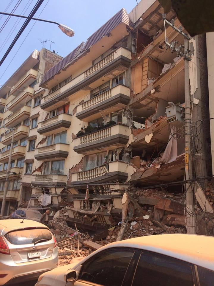 Continúa la demolición del edificio Coquimbo 911
