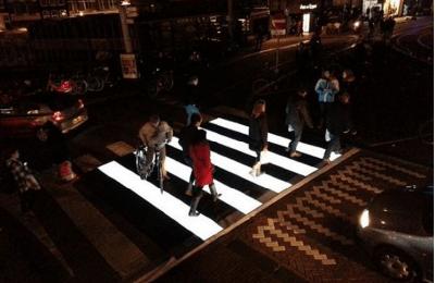 Implementan cruces luminosos en Amsterdam