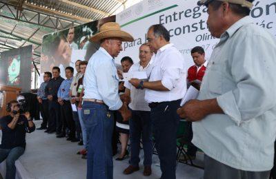 Entregaron tarjetas para reconstrucción de vivienda en Guerrero