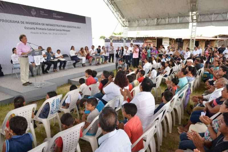Mejorarán infraestructura escolar en 176 municipios de Veracruz