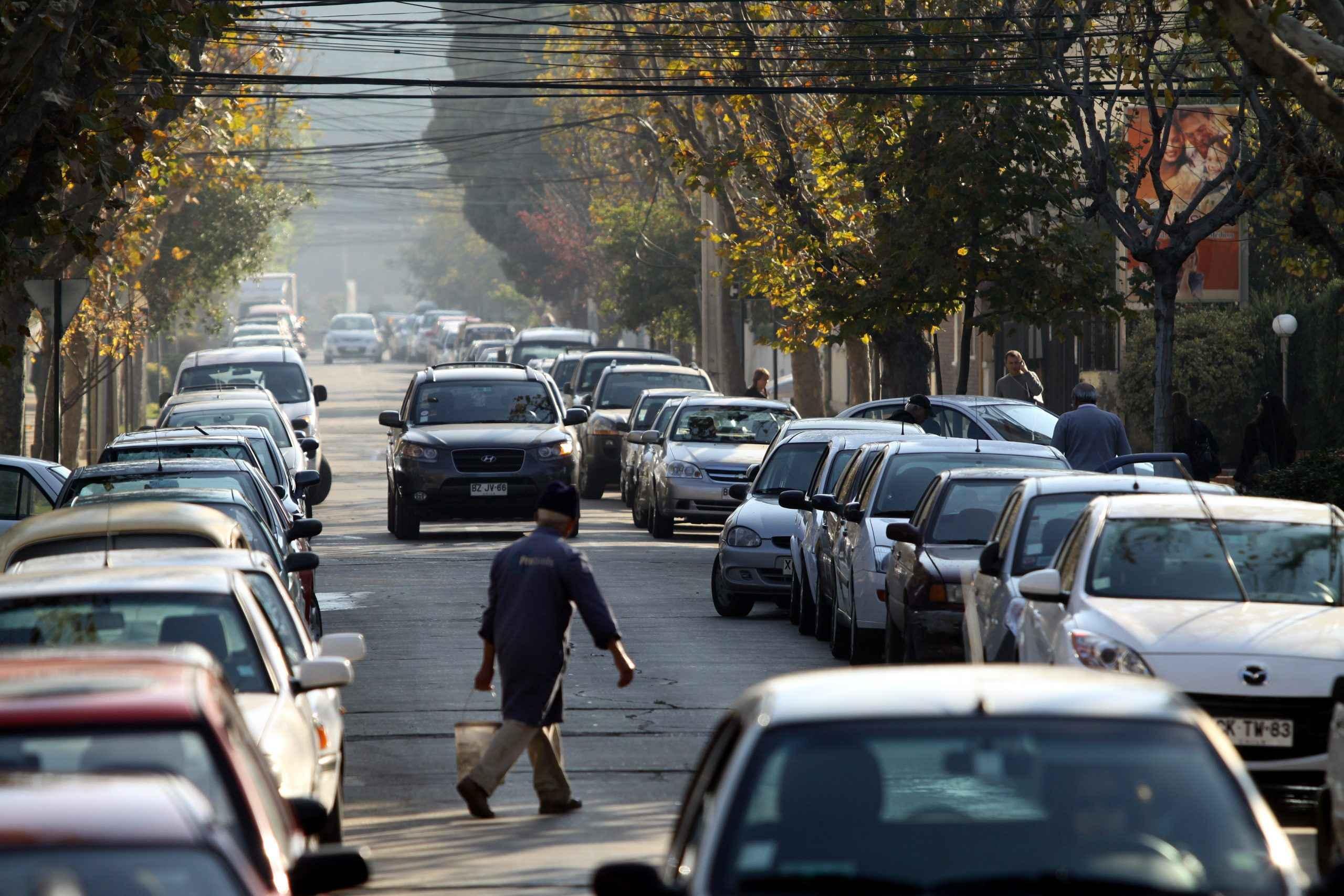 Posible reducir número de estacionamientos en Guadalajara y CDMX