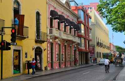 Avanzan en el rescate de fachadas en Mérida