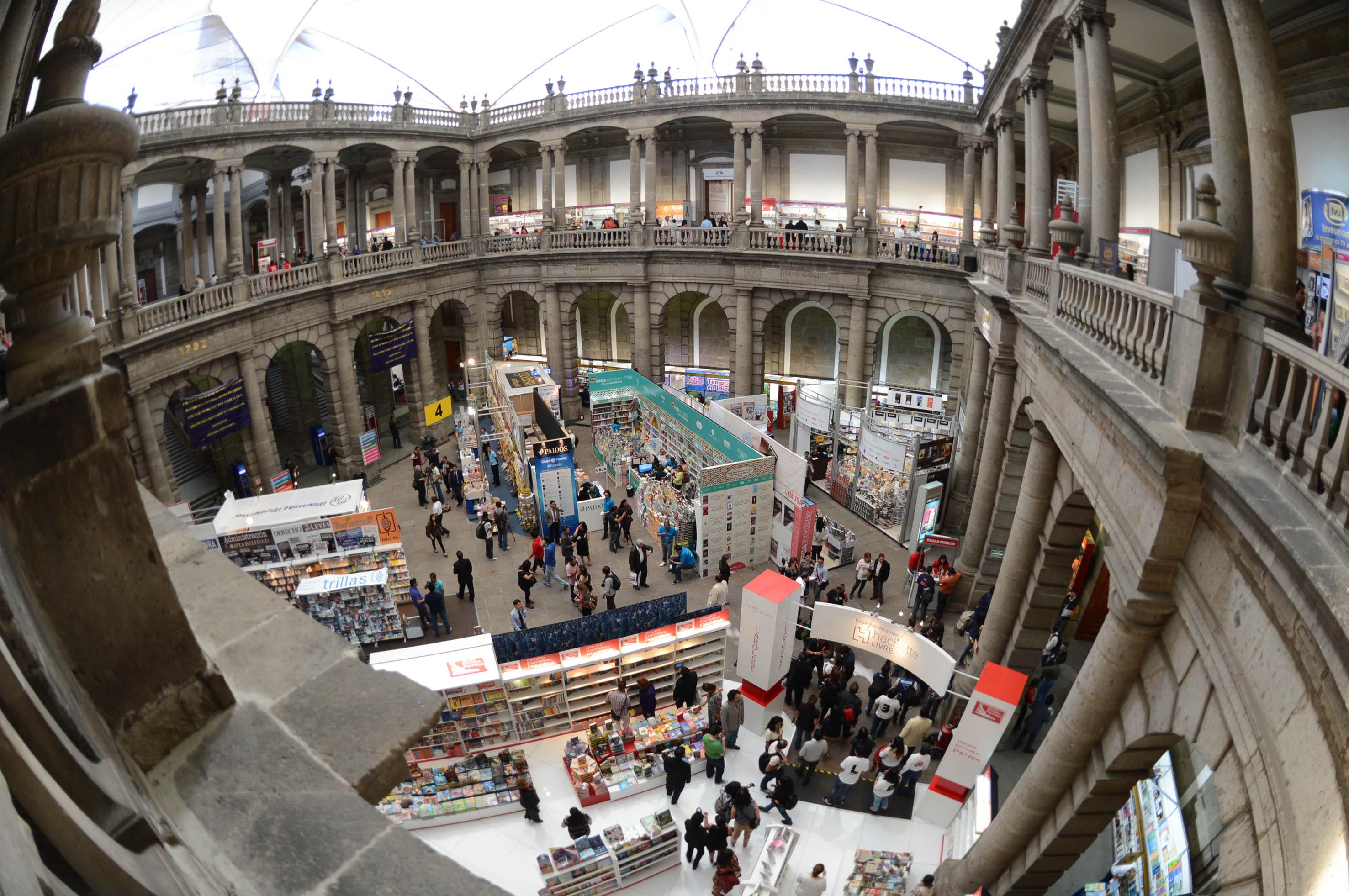 Inicia Feria Internacional del Libro