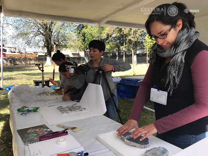 UNAM colabora con el INAH para atender pintura mural de 10 exconventos