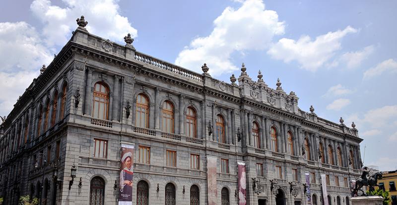 Destacan en Bellas Artes la importancia de los monumentos y sitios históricos