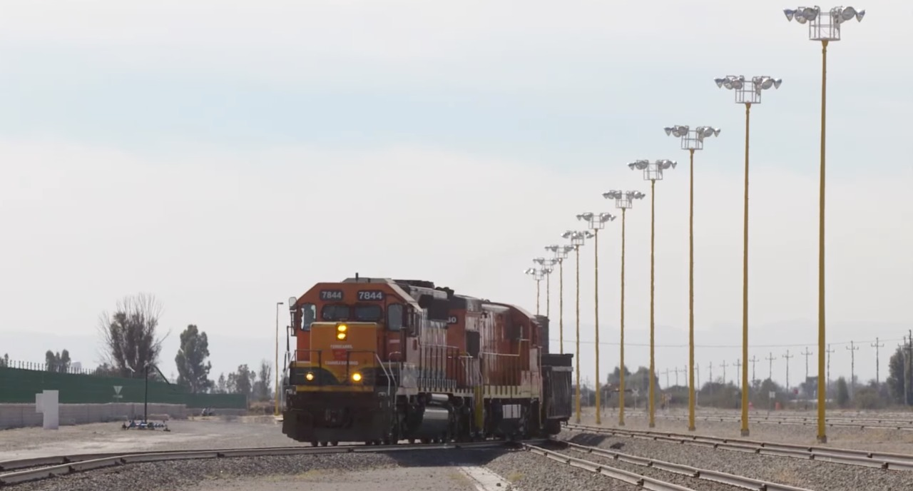 México cuenta con 26,727 kilómetros de vías férreas
