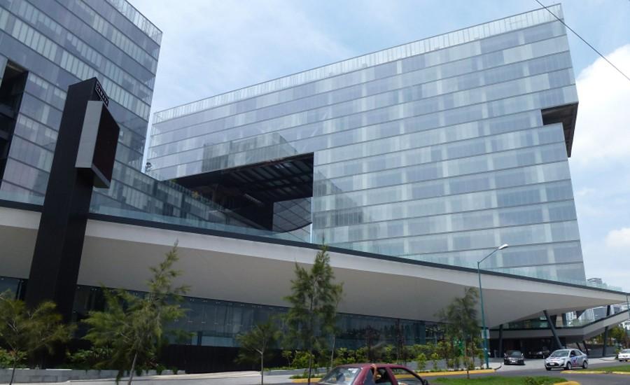 Bancomer se instala en centros comerciales de Fibra Uno