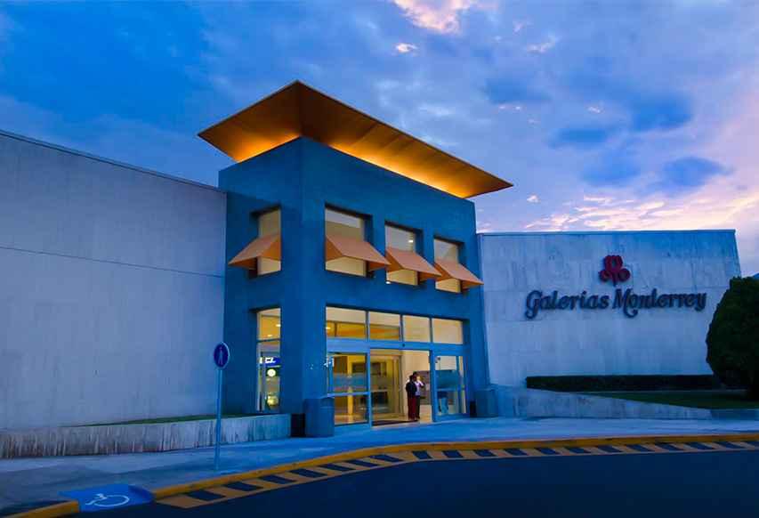 Decrece construcción de centros comerciales en Monterrey