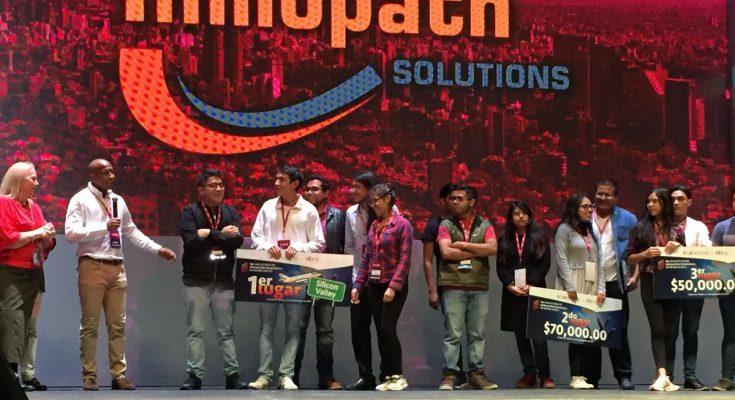 Reconocen a jóvenes que participaron en Hackathon