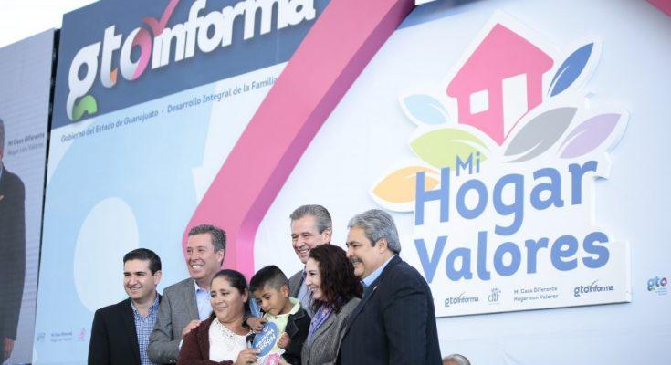 Miguel Márquez presentó avances de vivienda