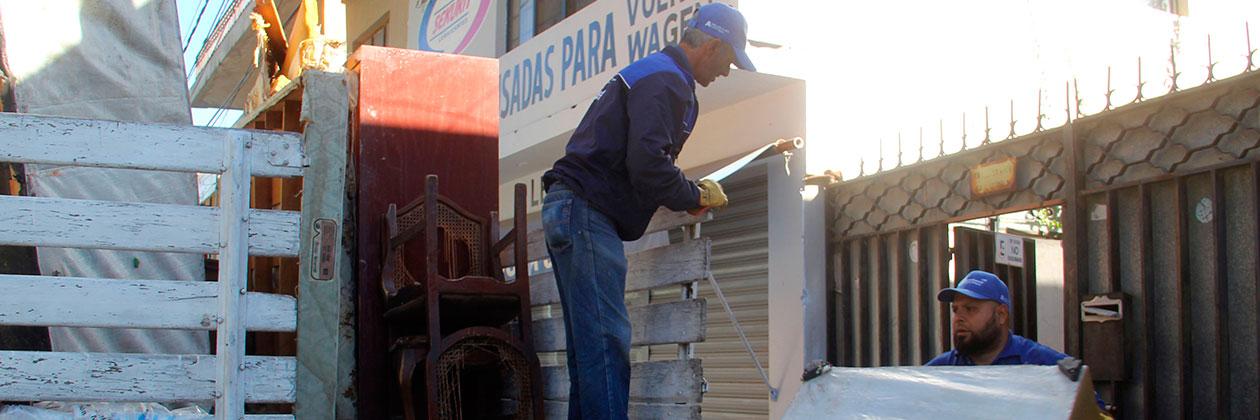 Muebles abandonados afectan imagen urbana de Aguascalientes