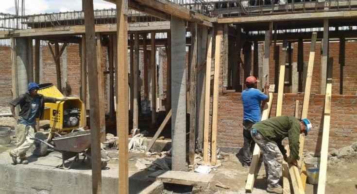 Industria de la construcción débil en algunas zonas del país