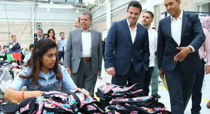 Inauguran nave para industria textil en Jalisco