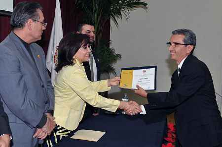 Entregan diplomas a agentes inmobiliarios sonorenses
