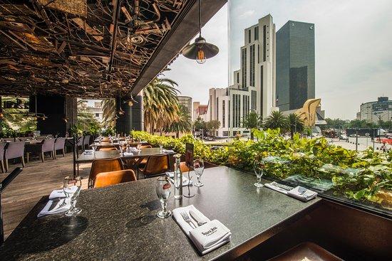 Restauranteros representan 15.3% del PIB turístico en México