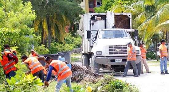 Rescatan espacios públicos en Isla Mujeres