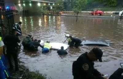Lluvias torrenciales desatan caos vial en la CDMX