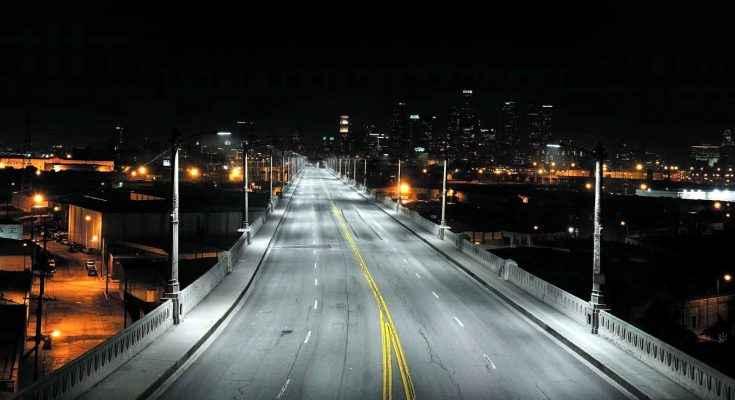 Colocan luminarias para fortalecer seguridad