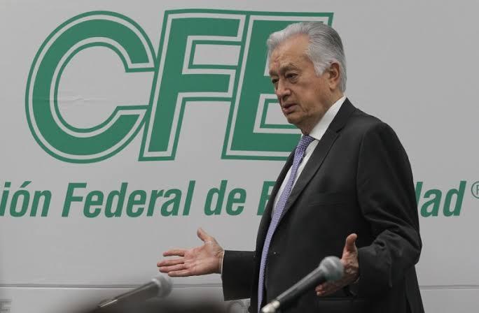 """""""No vamos a dejar morir a la CFE"""": Manuel Bartlett"""