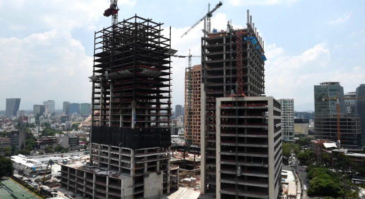 Morena topa mega construcciones en CDMX