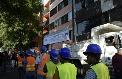 Inició demolición de edificio en Miramontes 1868