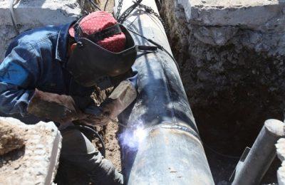 Continúan reparación de tuberías de drenaje y agua potable en CDMX